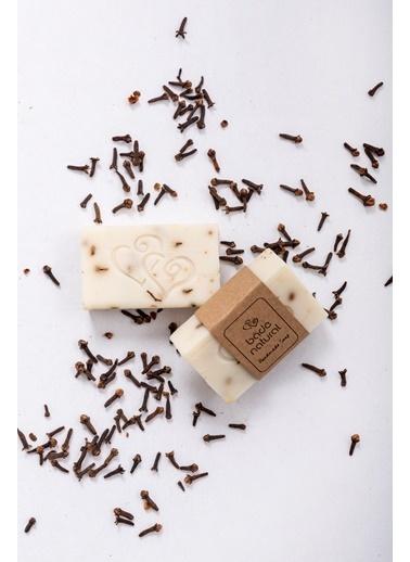 Bade Natural Karanfil Yağlı Besleyici Doğal Vücut Sabunu 100 g  Renksiz